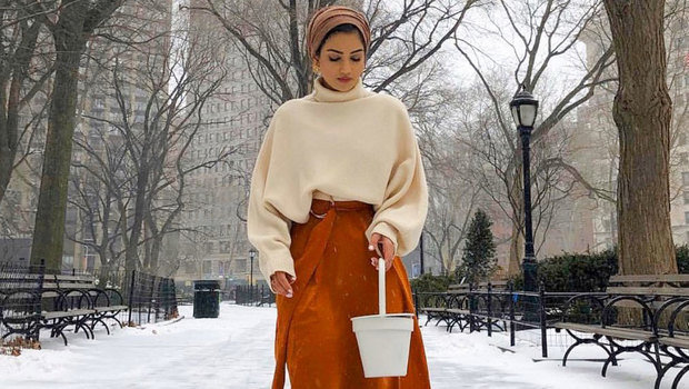 This Is How to Style Your Oversized Sweater with Hijab Different
