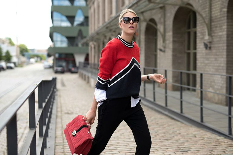 20 Cute Sweater Outfits to Get You Through the Wint