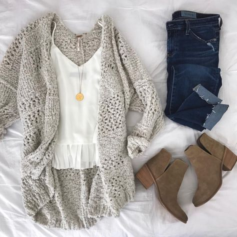 15 Cozy and Cute Winter Outfits You'll Love to Try   Cute winter .
