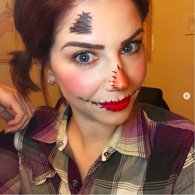 22 Spookily Easy Halloween Makeup Ideas For Beginners   Halloween .