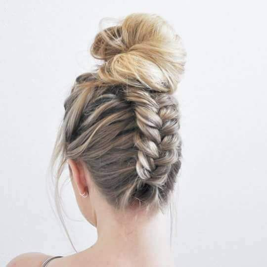 55 Easy Updos to Look Effortlessly Chic | Bun hairstyles, Braided .