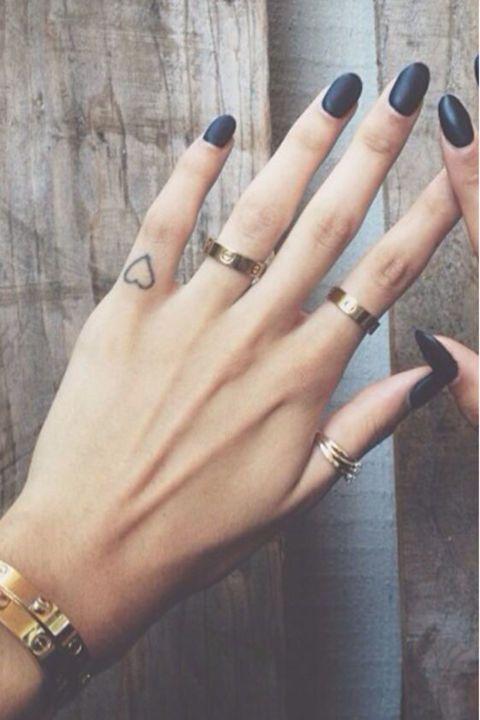 28 Tiny Finger Tattoo Ideas | Simple finger tattoo, Tiny finger .