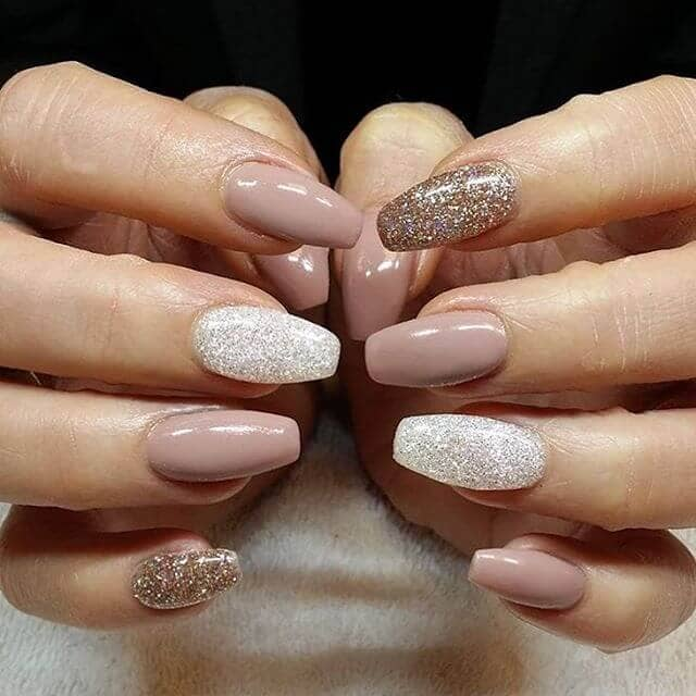 The Benefits of Gel Nails vs. Acrylic Overlays - White Lotus Day .