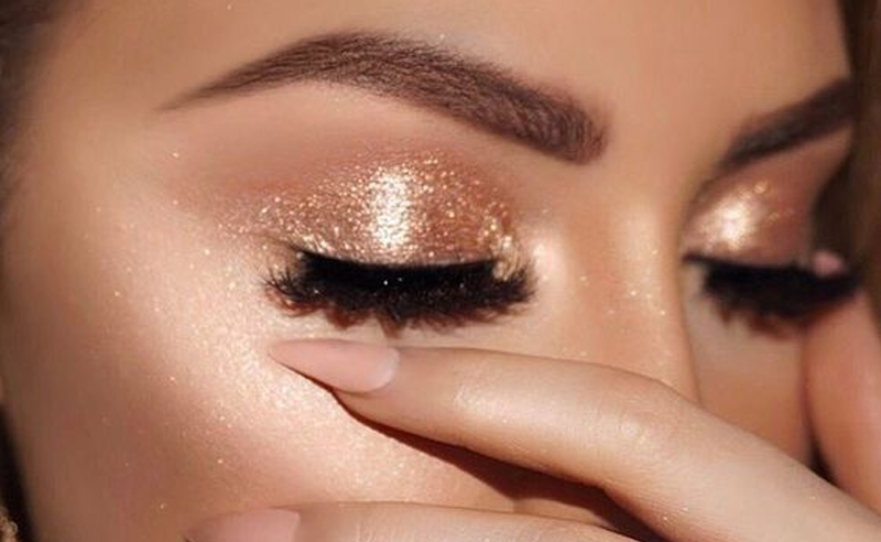 8 Subtle Glitter Makeup Looks For Your Everyday Routine .