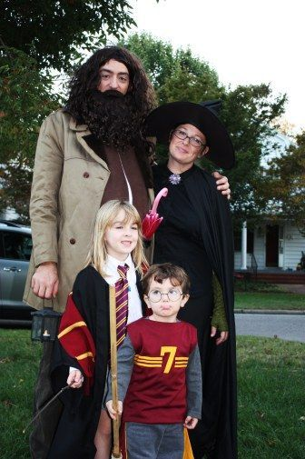 35+ Cute and Clever Family Halloween Costume Ideas | Disfraces de .