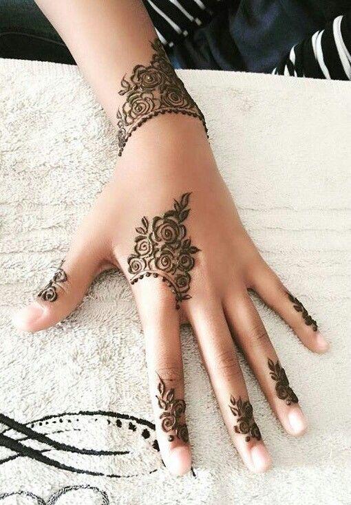 Simple henna | Mehndi designs for fingers, Rose mehndi designs .