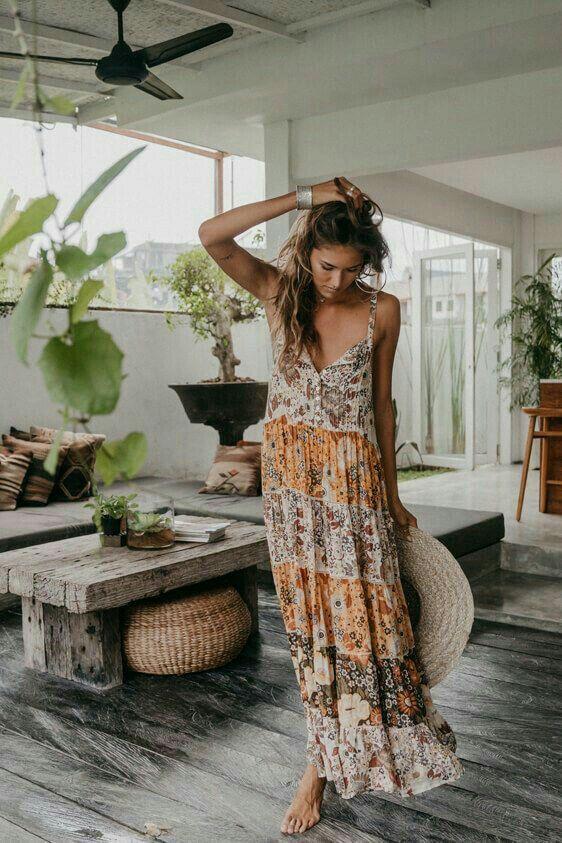 Floral Print Boho Maxi Dress in 2020 | Boho outfits, Boho maxi .