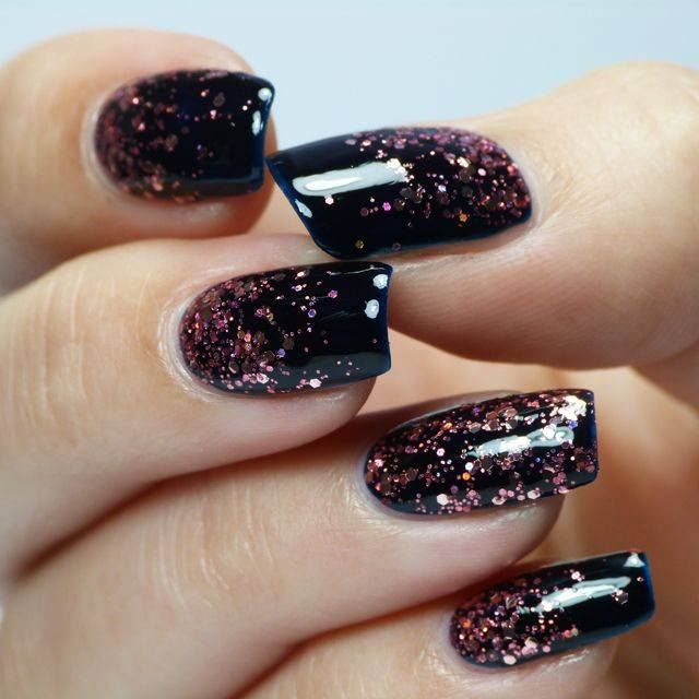 55+ Inspiring Holiday Nail Art Ideas that are Just Wow - Styles A