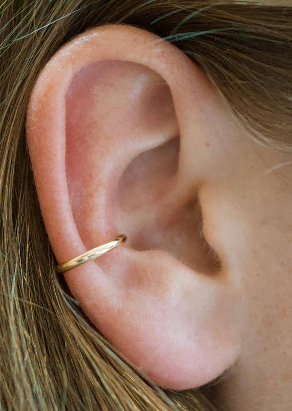 Pin by Magic on Ideas | Gold ear cuff, Minimalist ear cuff, Silver .