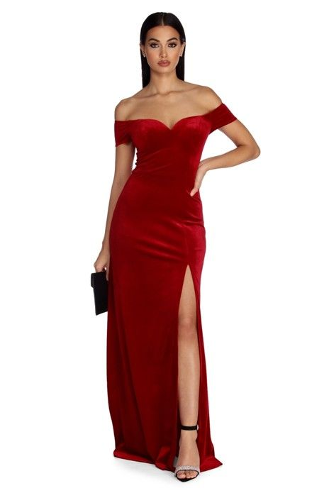 Stun in classically elegant velvet as you wow in our Addison dress .