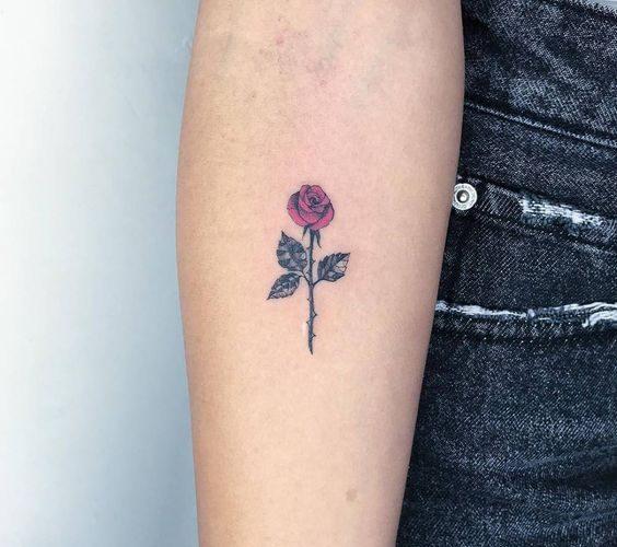 Small Rose Tattoos: 30+ Beautiful Tiny Rose Tattoo Ide