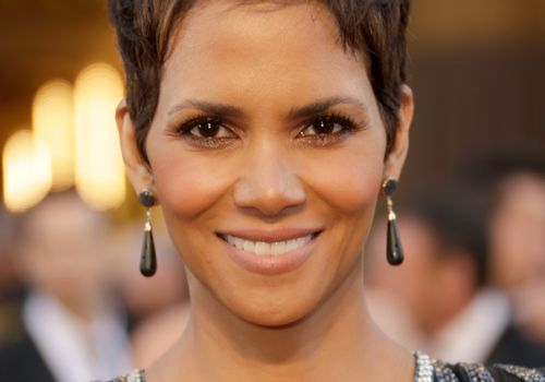 50 Classic and Cool Short Hairstyles for Older Wom