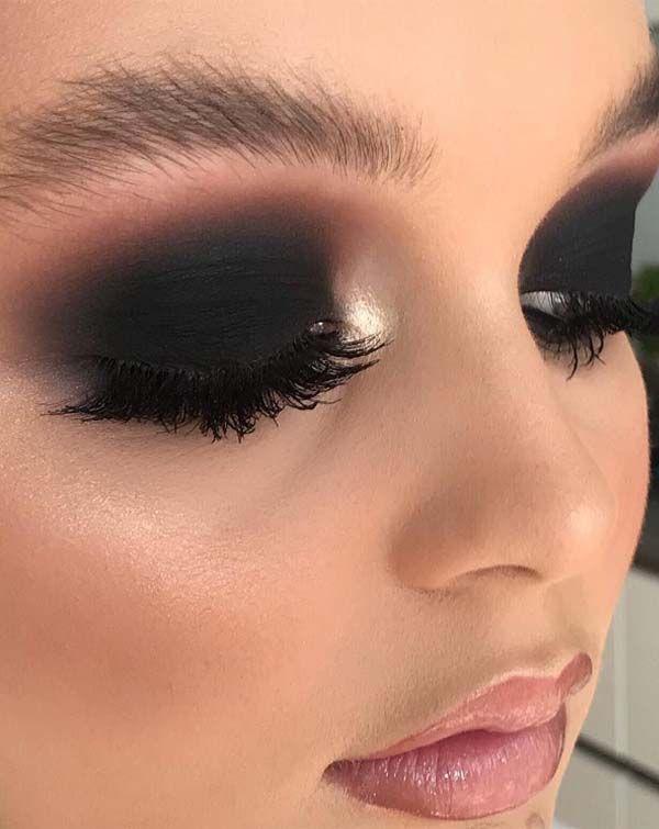 43 Black Smokey Eyes & Makeup Ideas for 2019 | Absurd Styles .