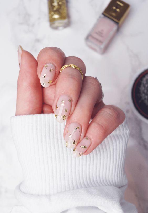 Imagine nails and gold | Star nail art, Trendy nails, Star nai