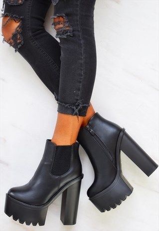 CHUNKY PLATFORM HEELED ANKLE BOOTS - BLACK   Platform boots outfit .