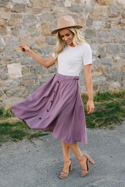 Mauve Flowy Button Down Midi Skirt   Flowy skirt outfit, Midi .