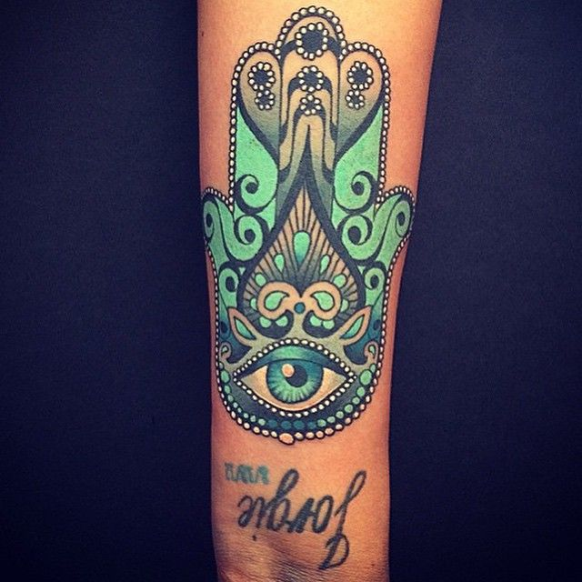 Hamsa Tattoo Meaning | Hamsa tattoo design, Hamsa hand tattoo .