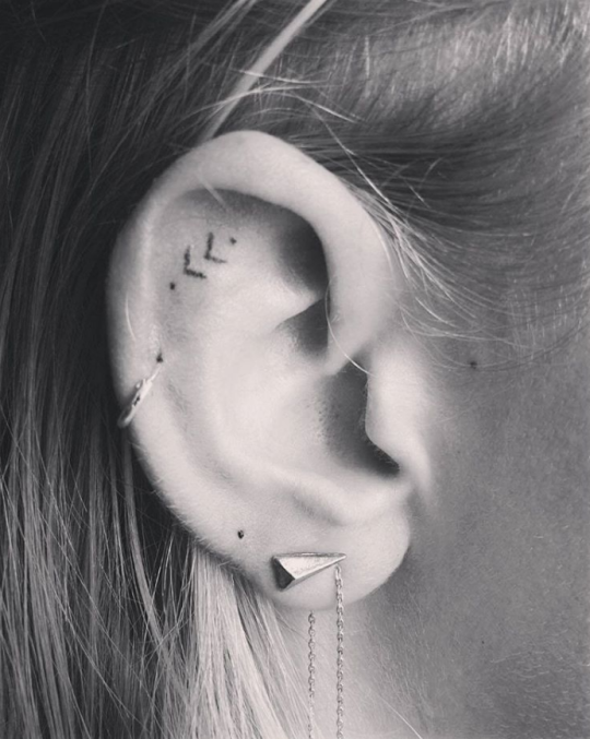 16 Tiny Ear Tattoos That Are Perfect For Minimalists   Tattoos .