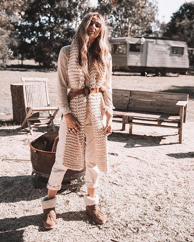 40 Unique Winter Boho Outfit Styling Ideas to Flaunt Bohemian Fashi