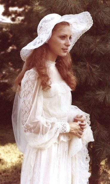 Pin by Alissa on Modest Vintage Wedding Gowns | 1970s wedding .