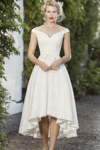 30 Fabulous And Unique Vintage Wedding Dresses To Fit Any Taste .