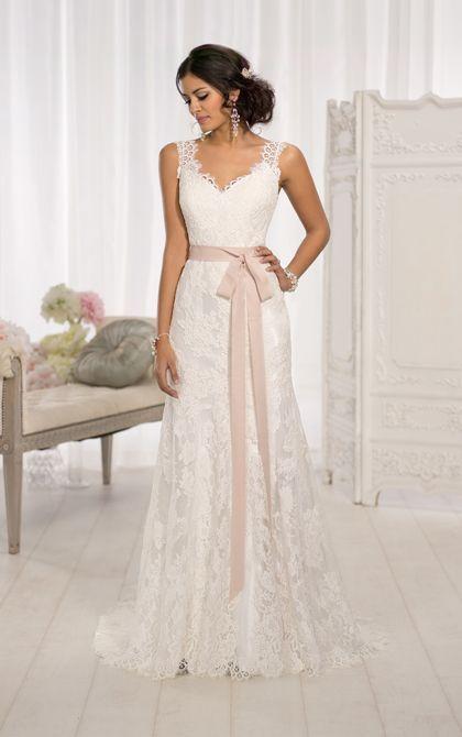 Modern Vintage Wedding Dress by Essense of Australia | Essense of .