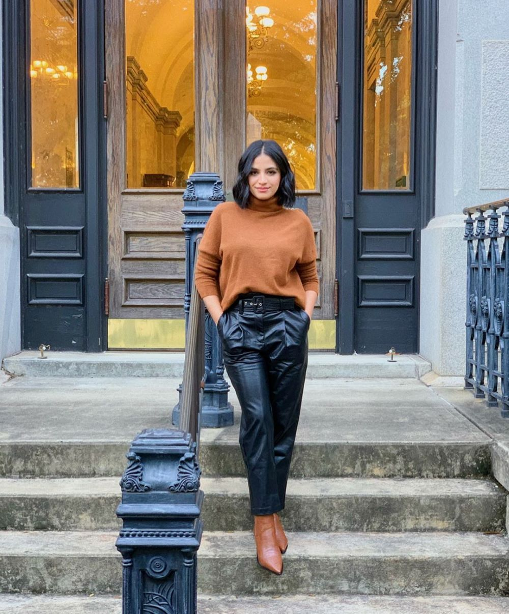 Chic Pullovers Sweaters and Sweatshirt Ideas