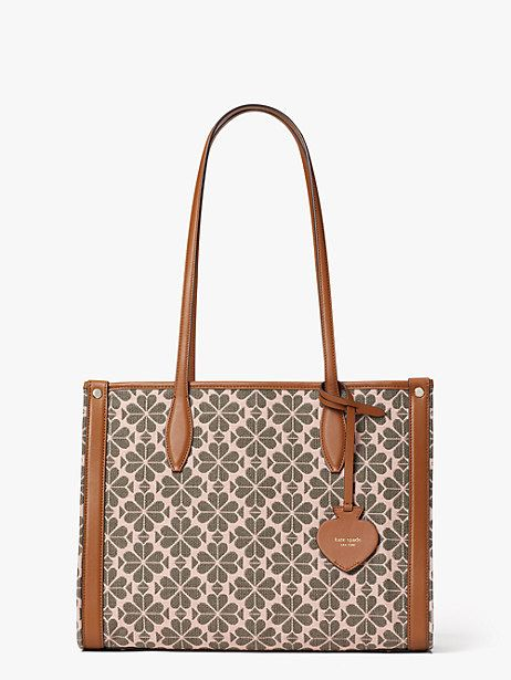 Chic Tote Bags for Women