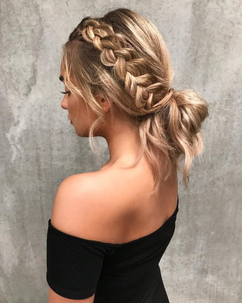 Easy Updos to Look Effortlessly Chic