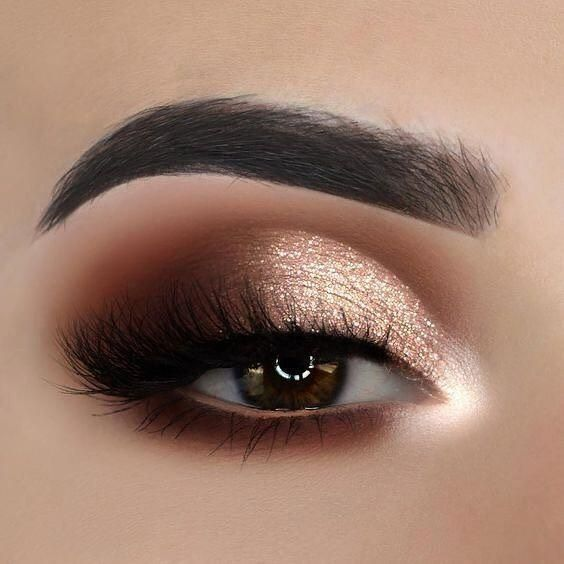 Peppy Holiday Makeup Ideas